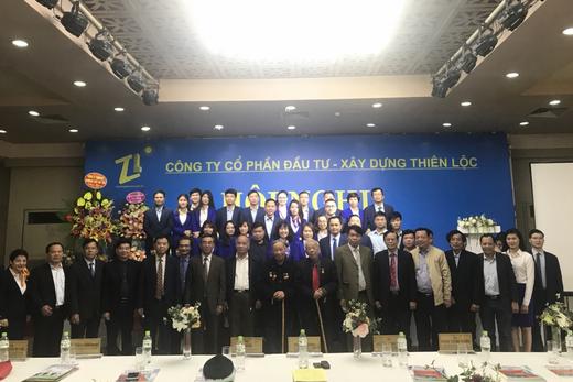 Công ty Cổ phần Đầu tư Xây dựng Thiên Lộc chúc mừng ông Vũ Oanh sang tuổi 96