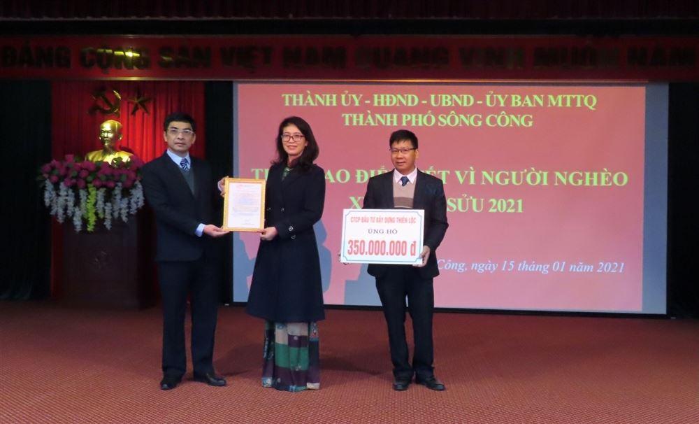 """Công ty CP Đầu tư Xây dựng Thiên Lộc ủng hộ """"Tuần cao điểm Tết vì người nghèo"""" tại Tp Sông Công - Thái Nguyên năm 2021"""