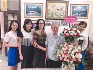 CBNV Công ty Cổ phần Đầu tư Xây dựng Thiên Lộc chúc mừng Cụ Vũ Oanh bước sang tuổi 96
