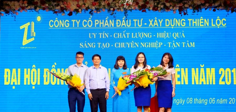Ông Phạm Xuân Đương, nguyên Ủy viên Trung ương Đảng, Phó Trưởng Ban Kinh tế Trung ương thay mặt ban cố vấn của Công ty chúc mừng Ban Kiểm soát nhiệm kỳ 2019 - 2024 mới được Đại hội đồng cổ đông thường niên năm 2019 tín nhiệm bầu