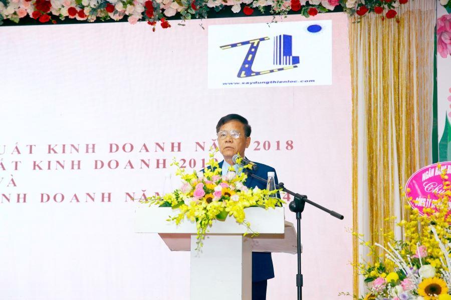 Ông Nguyễn Văn Tiến, ủy viên Hội đồng quản trị, Phó Tổng giám đốc trình bày Báo cáo kết quả sản xuất, kinh doanh và phân phối lợi nhuận năm 2018; kế hoạch sản xuất, kinh doanh năm 2019, định hướng sản xuất, kinh doanh 05 năm (2020 – 2024).