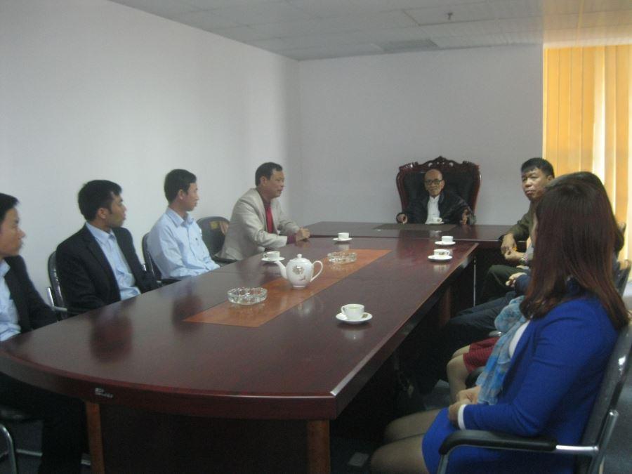 Giáo sư đã động viên Ban lãnh đạo cùng các Cán bộ Công ty quyết tâm thực hiện thắng lợi dự án khu dân cư đường Thống Nhất - thành phố Sông Công - tỉnh Thái Nguyên
