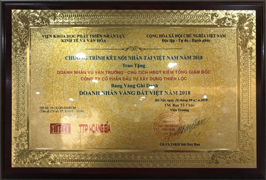 Chủ tịch Hội đồng quản trị kiêm Tổng giám đốc Vũ Văn Trường đạt Bảng vàng ghi danh Doanh nhân vàng Đất Việt năm 2018