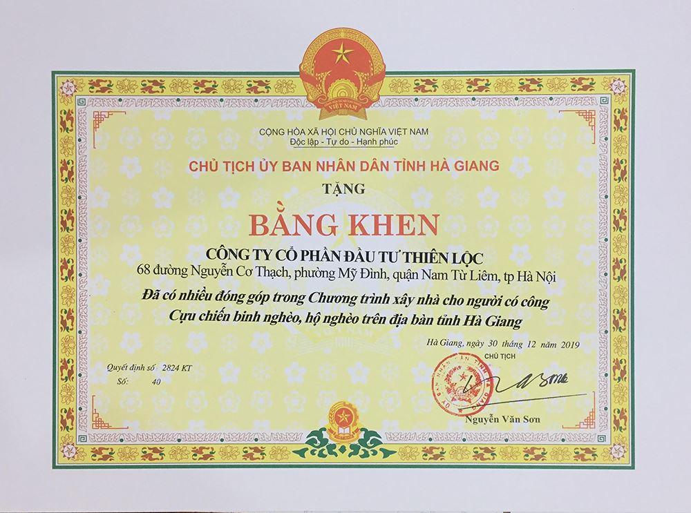 Bằng khen của UBND Tỉnh Hà Giang cho Công ty CP Đầu tư Xây dựng Thiên Lộc đã có nhiều đóng góp cho chương trình xây nhà cho người có công, CCB nghèo, hộ nghèo tỉnh Hà Giang