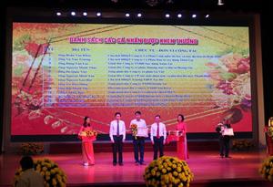 Chủ tịch HĐQT kiêm Tổng giám đốc Vũ Văn Trường được UBND Quận Bắc Từ Liêm tặng Giấy khen kỷ niệm 15 năm ngày Doanh nhân Việt Nam 13/10/2004 - 13/10/2019