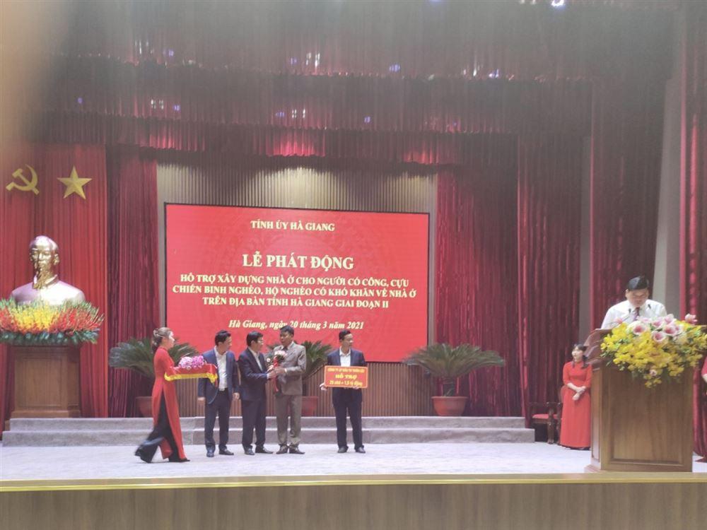 Chủ tịch HĐQT kiêm Tổng Giám đốc Vũ Văn Trường tham dự Lễ phát động hỗ trợ xây dựng nhà ở cho hộ có hoàn cảnh đặc biệt ở Hà Giang